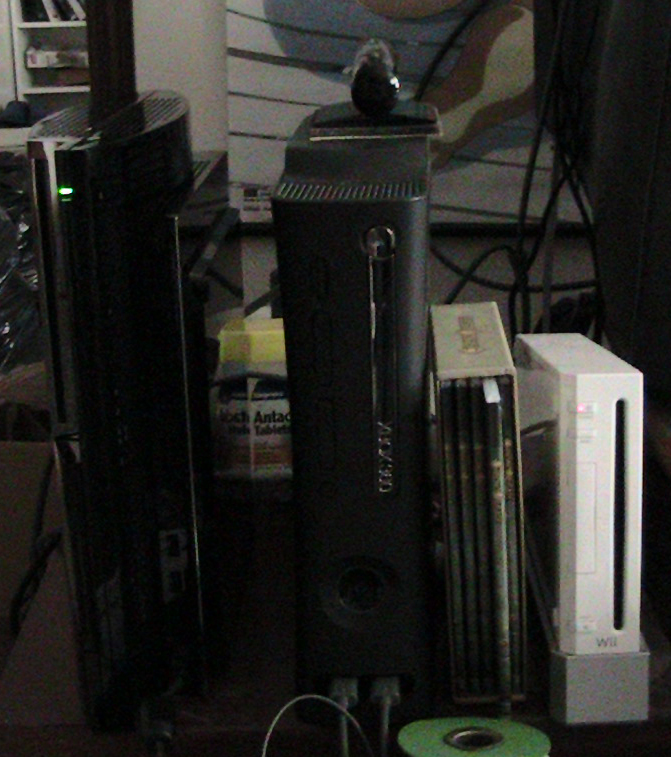 Sony Playstation 3 (Metal Gear Solid Bundle), Microsoft Xbox 360 Elite, Nintendo Wii